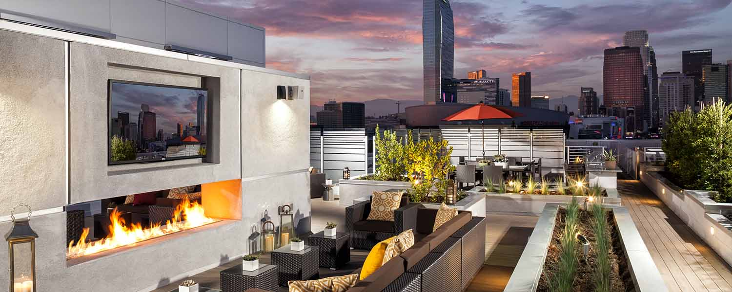 AVANT-Social-Spaces-Outdoor rooftop fireplace