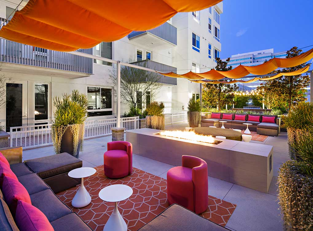 lexonorange-amenity-exterior-outdoor-living-room