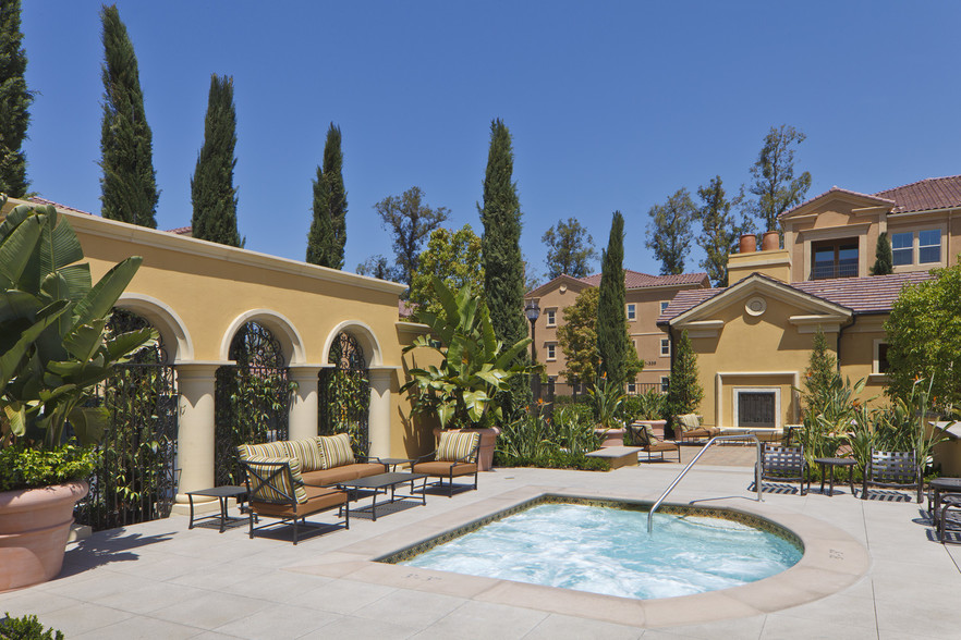 cypress-village-apartment-homes-irvine