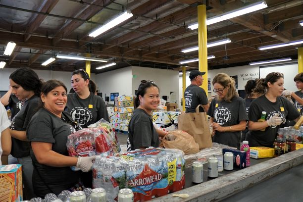 ampam team at dtla food bank